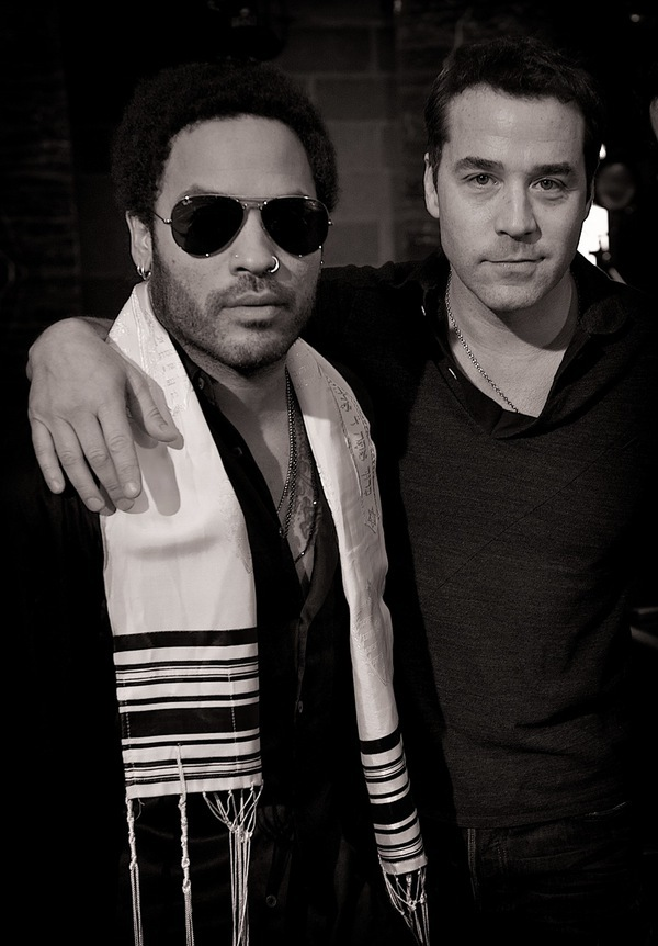 Possibly one of the best photo's ever taken. My favourite 2 Jews.
