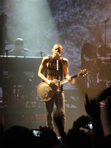 we love you Chester. Linkin Park Pics.