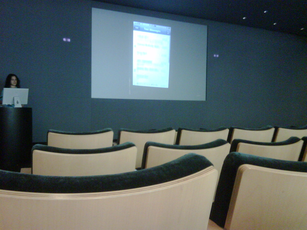 Giving clear proof why you buy Blackberry and NOT i-phone. Empty chairs @ i-phone conference.. Nobody cares…