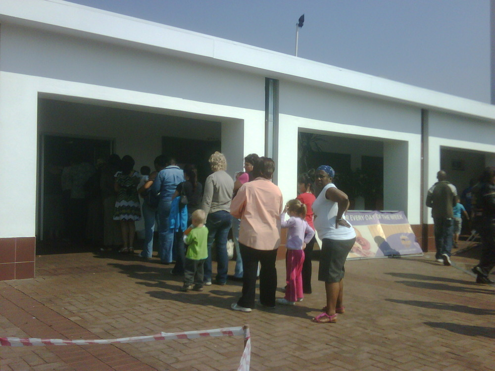 So glad I'm a guy and I can piss pretty much anywhere! Look @ the stooopid lines in witbank!