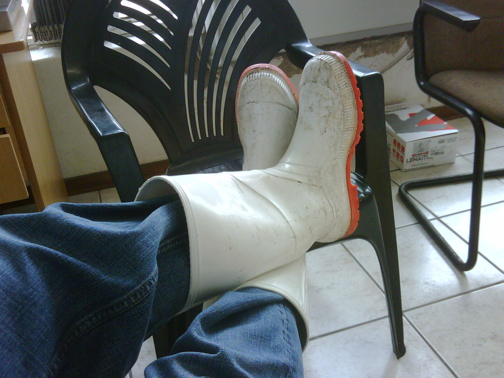 Gumboots? Check! Work ethic on a saturday morning? 50/50.