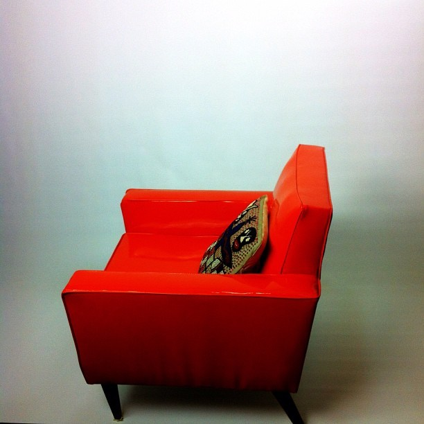 The lonely red chair.