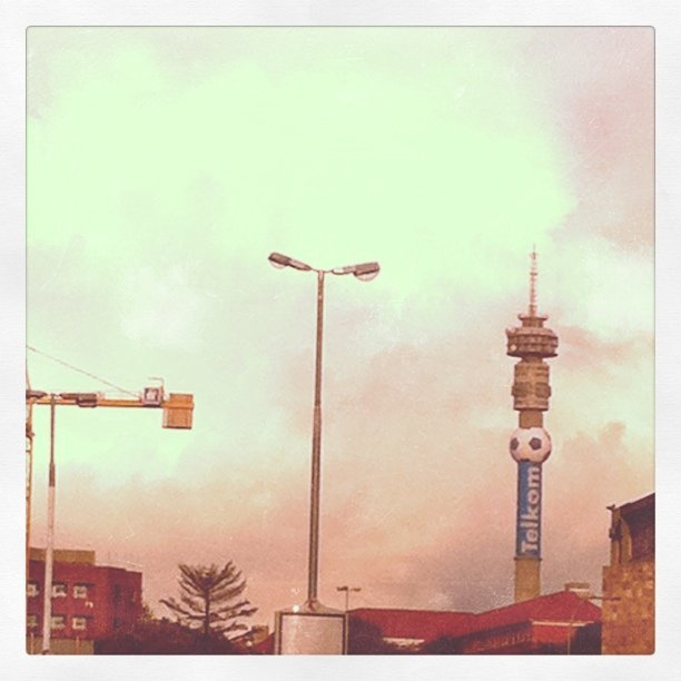 Tower in traffic. #lovejozi