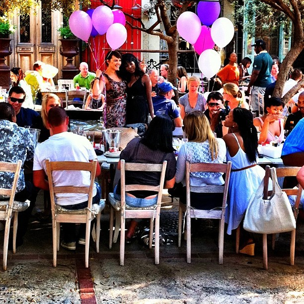 Sunday afternoon beer, balloons and birthdays. Life is good. #ilovejozi