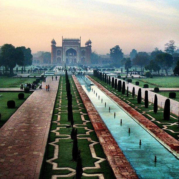 Wish I was here too. #TajMahal #India #sunrise #love