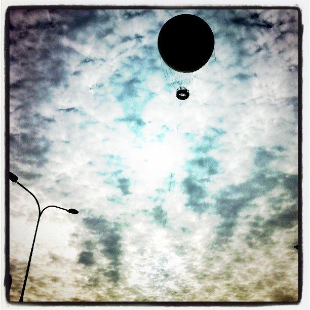 The morning balloon ride over Sandron