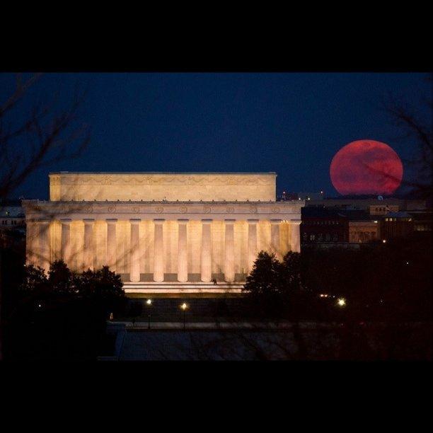 Supermoon over Lincoln Memorial, Washington DC